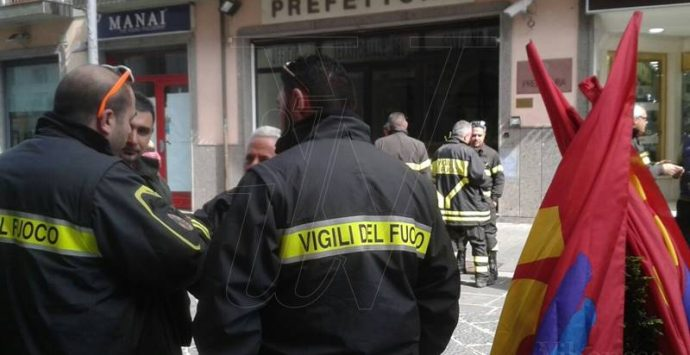 Vibo, Vigili del fuoco proclamano lo sciopero: «Chiediamo più tutele»