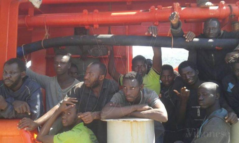 Migranti: previsto per sabato un nuovo sbarco nel porto di Vibo Marina