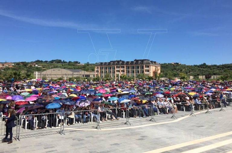 """""""Festa della mamma"""", in migliaia per Natuzza a Paravati e sul web (VIDEO)"""
