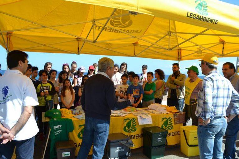 """""""Spiagge pulite"""", un successo l'iniziativa di Legambiente a Vibo Marina"""