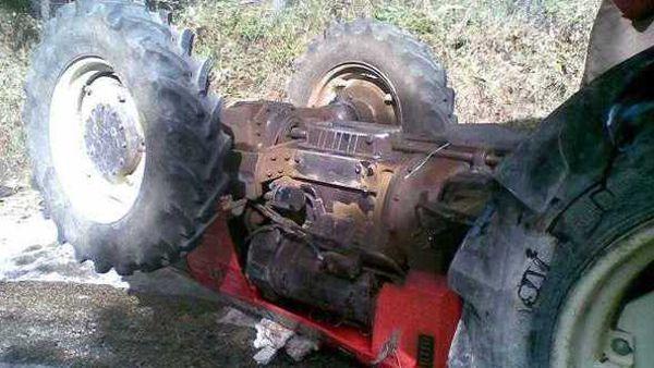 Incidente sul lavoro nel Vibonese: trattore si ribalta, elisoccorso sul posto