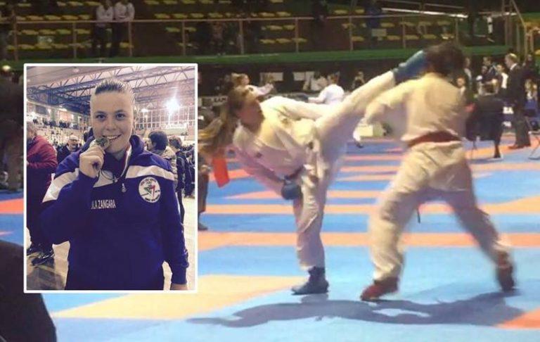 """Karate, la vibonese Viola Zangara medaglia d'oro al Trofeo nazionale """"Bracciante"""" di Eboli"""