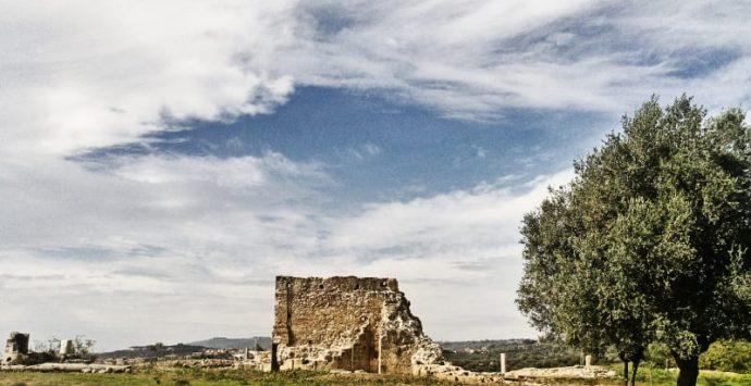 Mileto: 15 colpi di pistola nel pomeriggio contro cancello del Parco archeologico