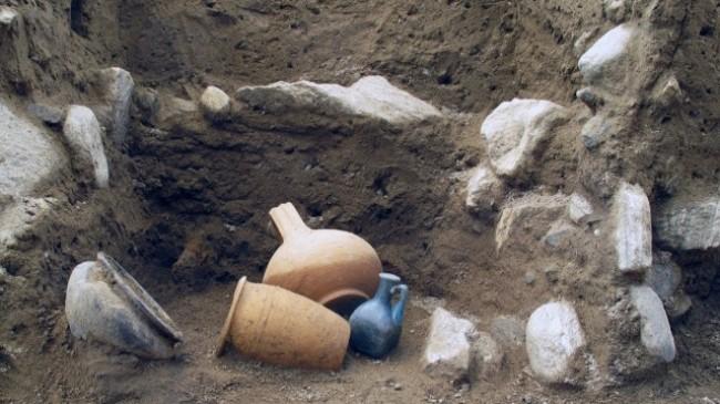 Traffico di reperti archeologici a Vibo: salta l'udienza preliminare per 11 indagati