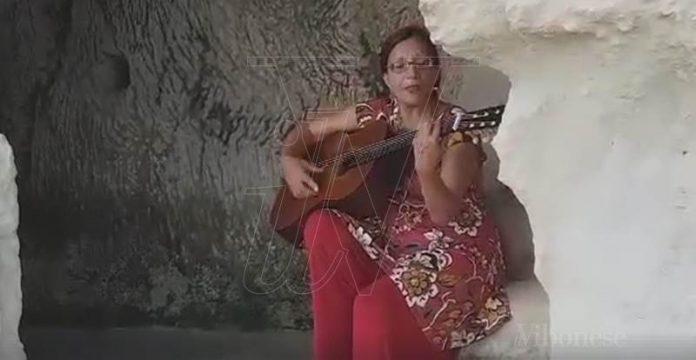 Cantastorie nelle grotte del Sito rupestre
