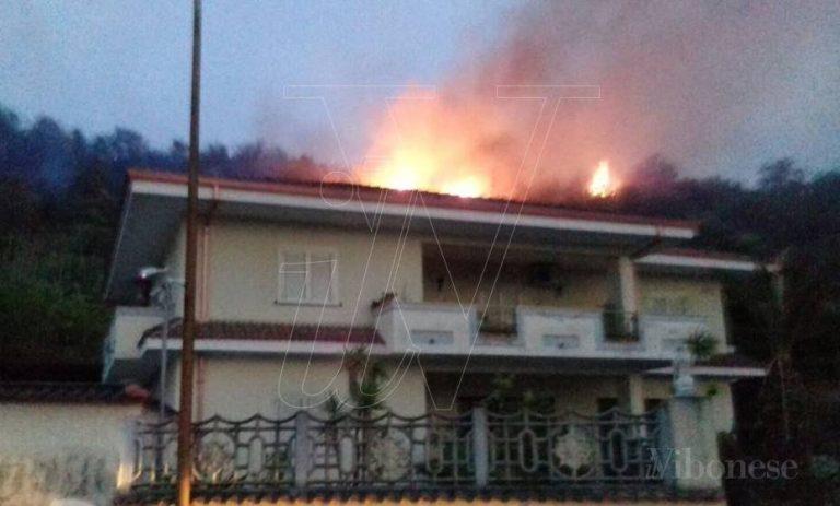 Incendi, il sindaco di Dasà Scaturchio: «Serve distaccamento Vvf nell'Alto Mesima»