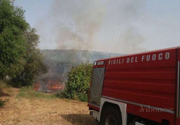 I Vigili del fuoco in azione a Ricadi