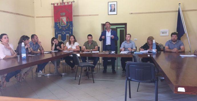 Ionadi: il Consiglio comunale approva l'assestamento di bilancio e riduce i gettoni