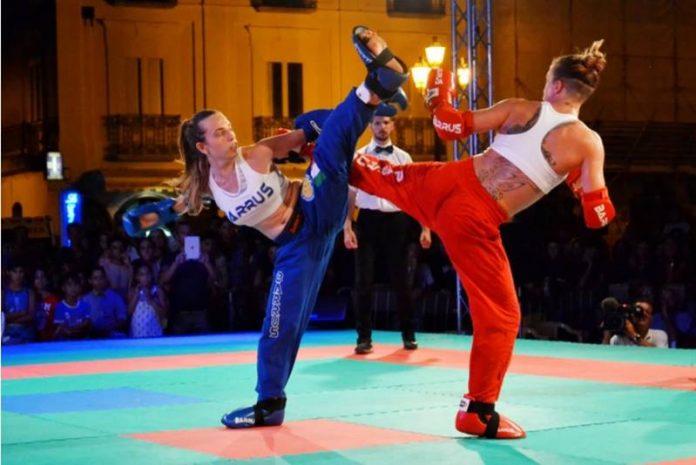 Roberta Cavallaro in azione contro Natasha Baldwin (GBR)