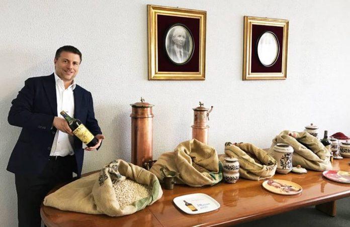 Sebastiano Caffo con l'Elisir San Marzano