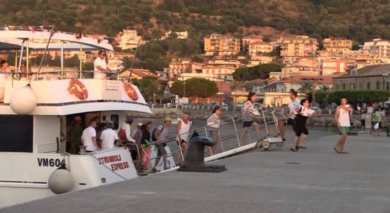 """Vibo Marina, inaugurazione """"culturale"""" per il punto informazioni al porto (VIDEO)"""