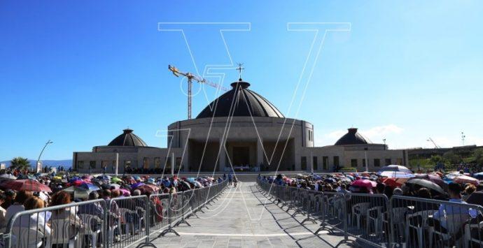 Anniversario Natuzza: il vescovo Renzo conferma i passi in avanti tra diocesi e fondazione (VIDEO)