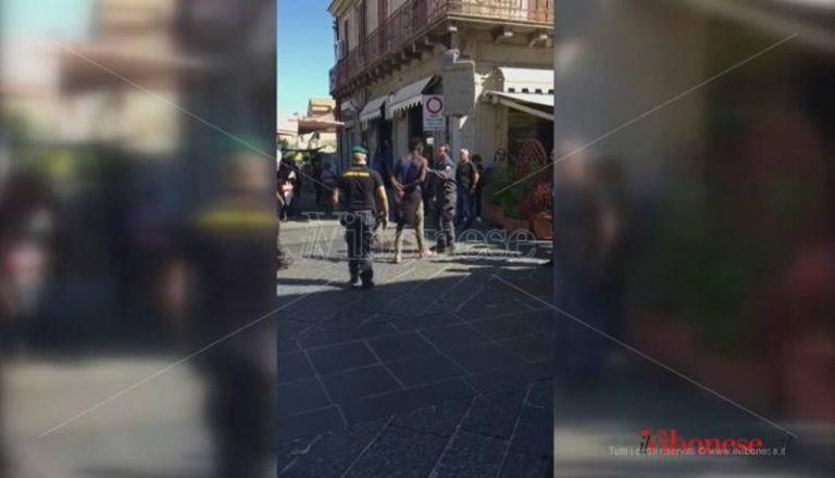 Controlli della GdF agli ambulanti a Vibo, venditore inveisce contro le Fiamme gialle (VIDEO)