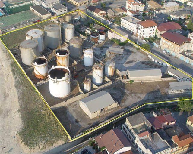 Vibo Marina, dai cimiteri industriali abbandonati al possibile recupero