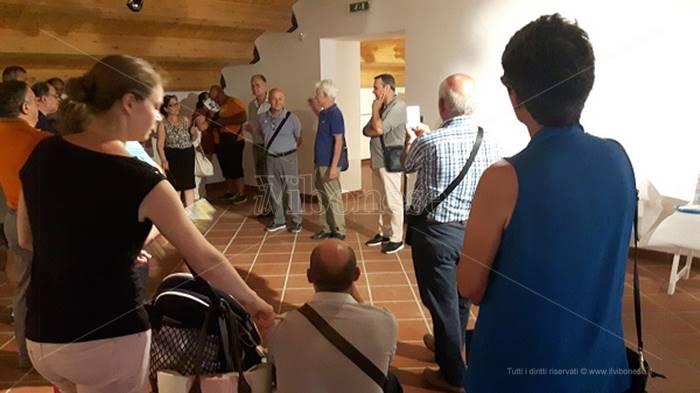 """Mileto, prosegue la mostra """"Percorsi espressivi"""" del maestro Mimmo Corrado"""