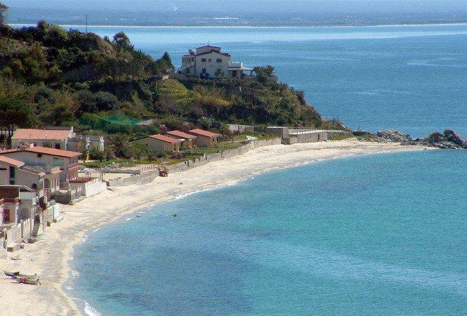Casa-vacanza senza licenza chiusa a Santa Maria di Ricadi