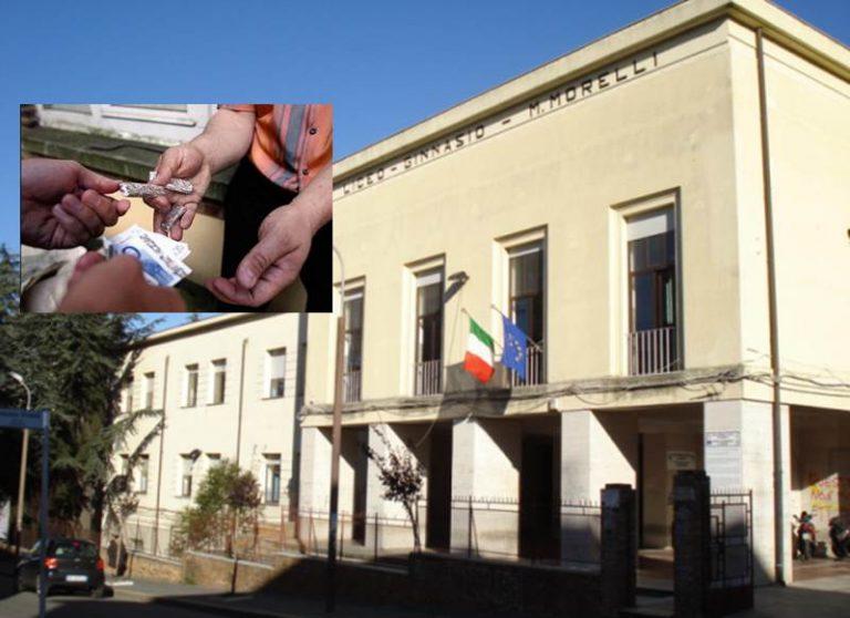 """Operazione antidroga a Vibo Valentia: la """"conquista"""" del Liceo Classico per lo spaccio"""