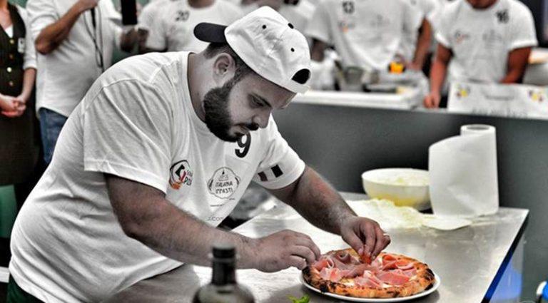 Campionato nazionale pizzaioli, nuova vittoria per il vibonese Francesco Fortuna