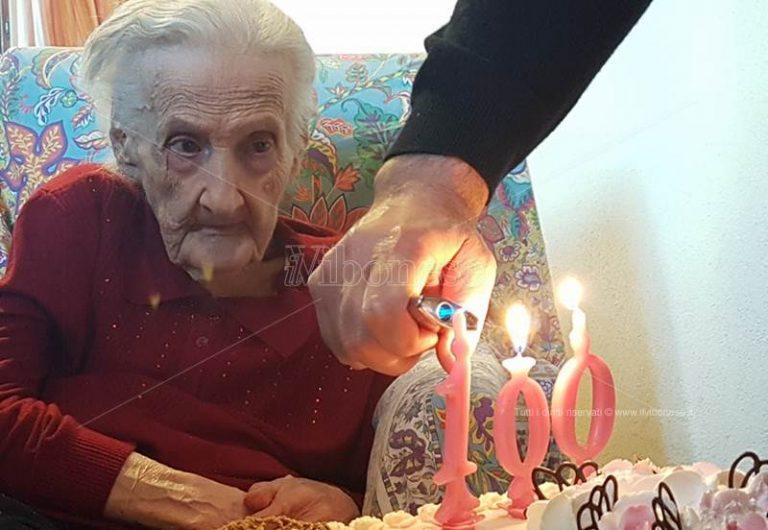 Sciconi in festa per i cento anni di nonna Nilde (VIDEO)