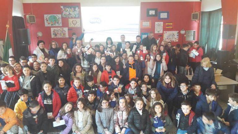 """Gli alunni di Vibo Marina a lezione di Europa con """"Europe direct"""""""