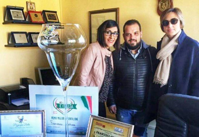 Francesco Fortuna con il sindaco Brosio e Irene Malfarà