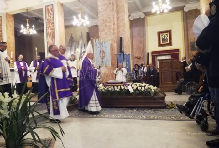 Mileto, grande commozione ai funerali di monsignor Ignazio Schinella