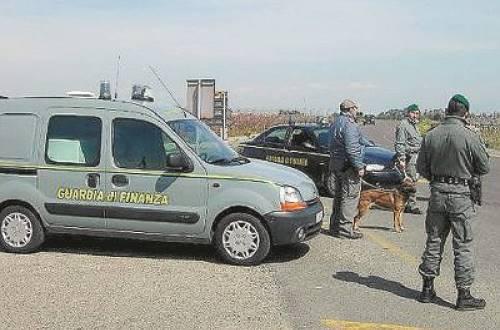 Detenzione di armi e droga, tre arresti a Filadelfia