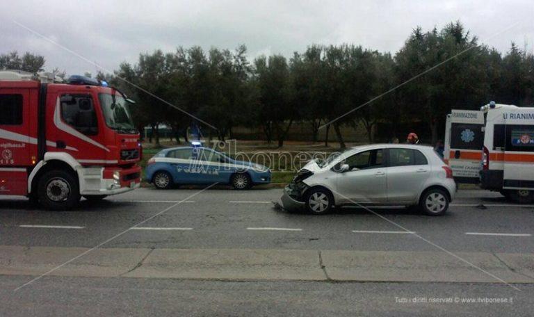 Incidente stradale a Vibo, due feriti