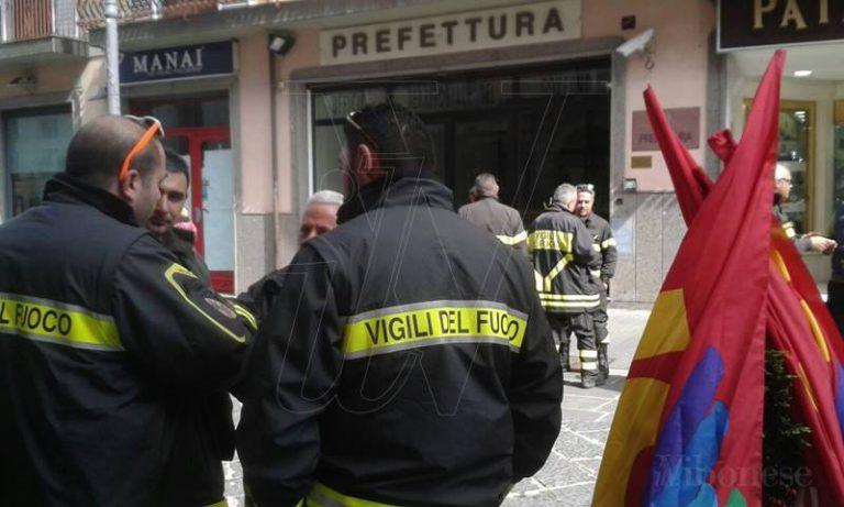 Vigili del fuoco precari anche a Vibo Valentia in lotta