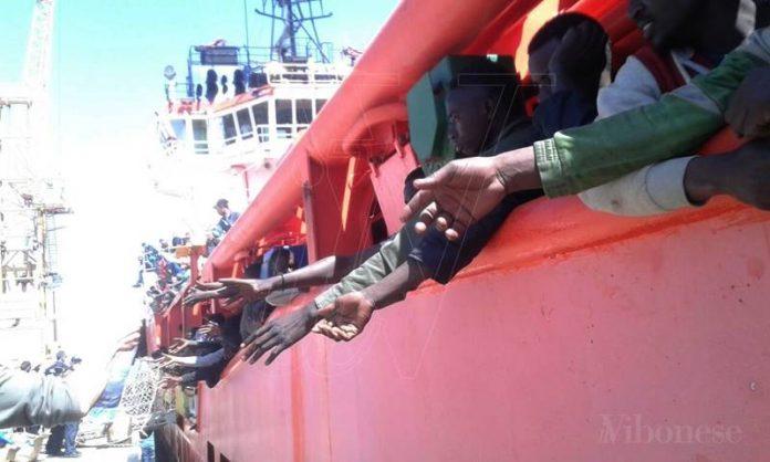 Lo sbarco dell'Asso 29 a Vibo Marina