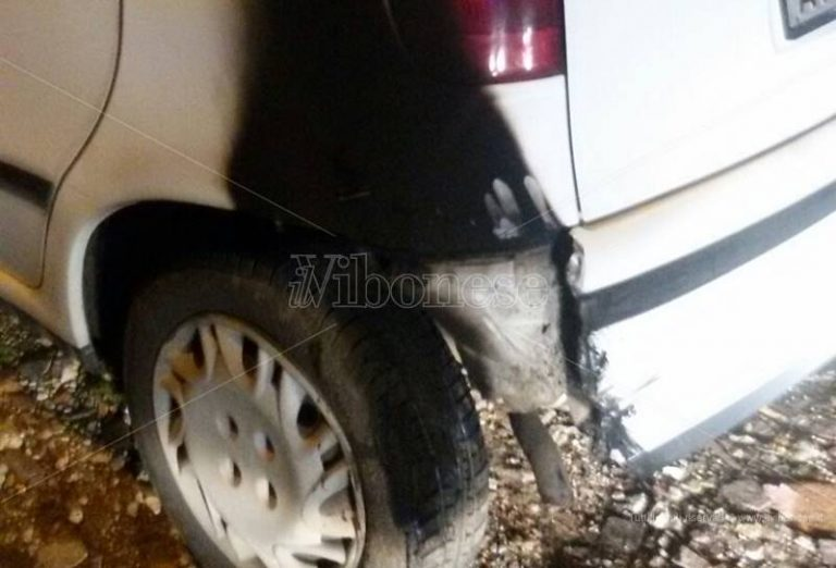 Nuova intimidazione nel settore rifiuti a Mileto, danneggiata l'auto del caposquadra della Muraca