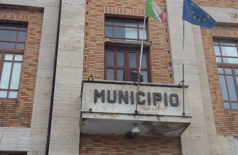 Omissione di atti d'ufficio: dirigenti del Comune di Vibo rinviati a giudizio