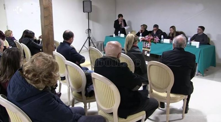 Al via a Vibo il primo gruppo di sostegno per donne vittime di violenza (VIDEO)