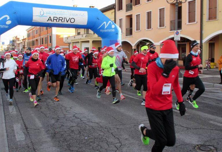"""Vibo, a Santo Stefano va in scena la """"Corsa di Babbo Natale"""""""