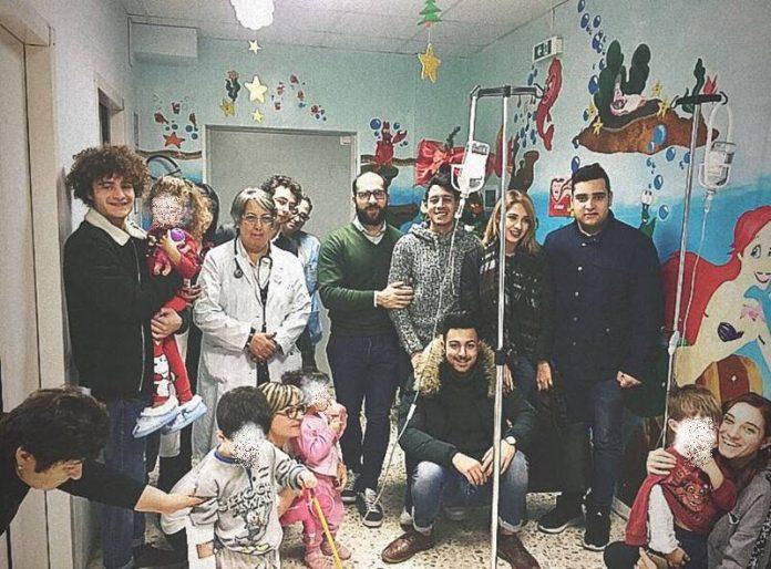 la consegna dei doni in Pediatria a Vibo
