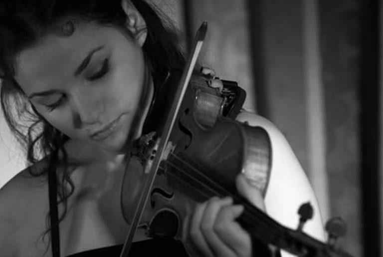 Un anno senza Greta Medini, oggi a Vibo il ricordo della straordinaria artista