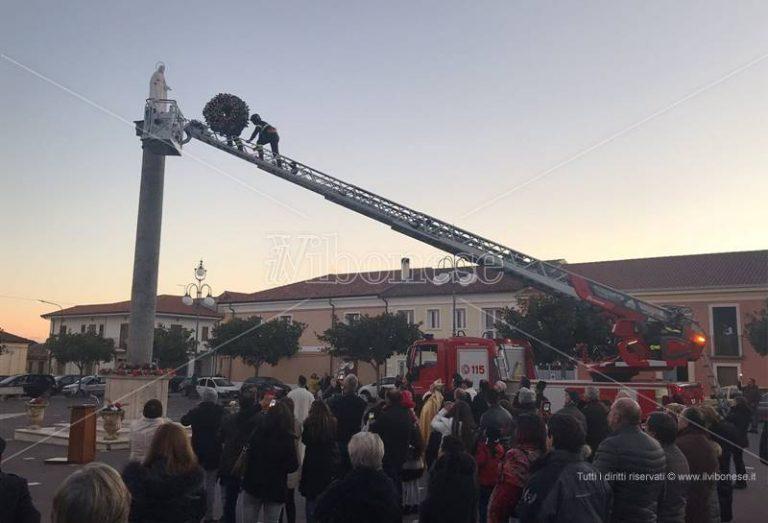 A Mileto si rinnova il rito dell'omaggio floreale all'Immacolata (FOTO)
