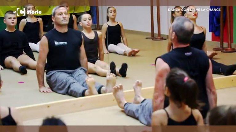 """Steve La Chance a Vibo Marina, piccoli danzatori vibonesi a lezione dal ballerino di """"Amici"""" (VIDEO)"""