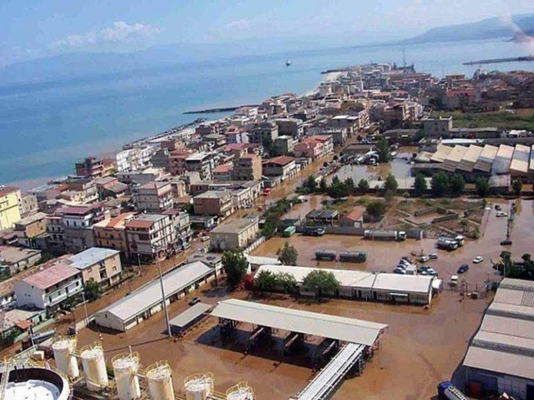 Fondi post alluvione 2006 a Vibo, le precisazioni di Carlo Tansi: «Disponibili sin dal 2018»