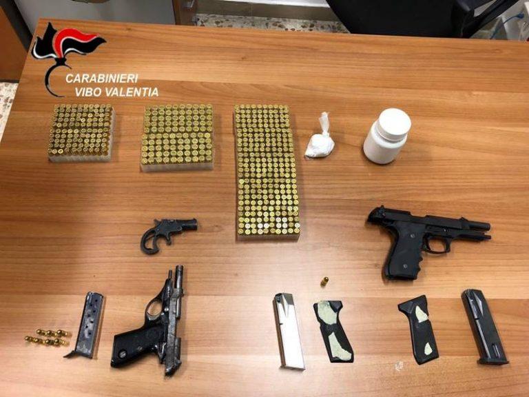 Armi nel vano del contatore: un arresto a Vibo Valentia (VIDEO)