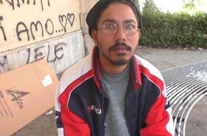 Assan Mohamed, da tre vive in strada a Vibo