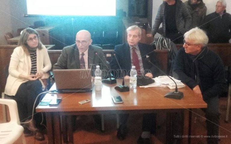 Nicotera, l'annuncio dei commissari: «Il Comune viaggia verso il dissesto» (VIDEO)