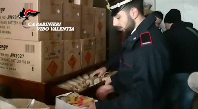 Nascondeva 350 chili di botti illegali in un magazzino, un arresto a Parghelia (VIDEO)