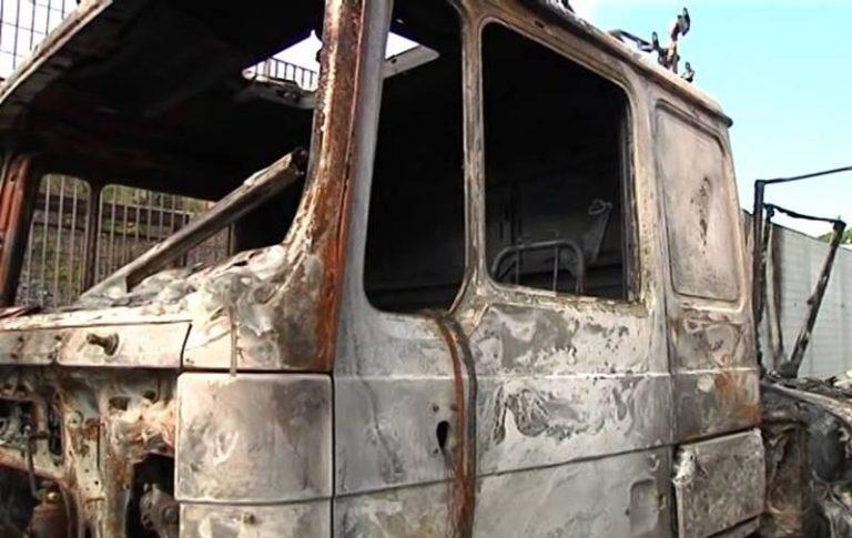 Ritrovato completamente bruciato il camion dei rifiuti rubato nelle Preserre
