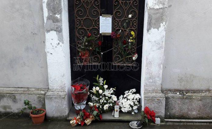 La cappella chiusa al cimitero di Stefanaconi