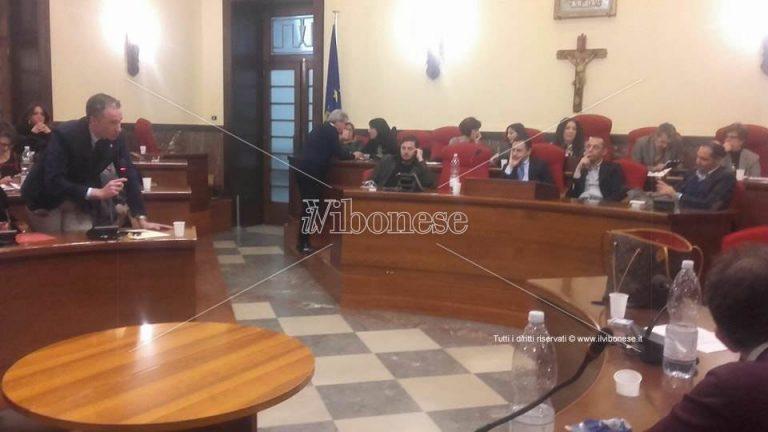 Il consiglio comunale di Vibo si stringe a Stefania Ursida dopo la prematura scomparsa della figlia (VIDEO)