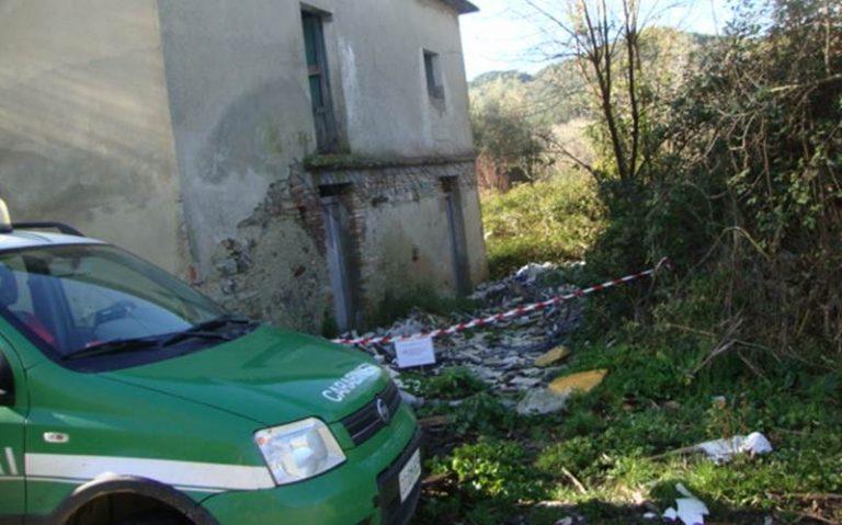 Discarica abusiva ed opificio sotto sequestro nel Vibonese