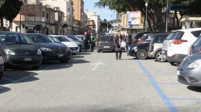 Consiglio comunale a Vibo su strisce blu e piazze ridotte a parcheggi