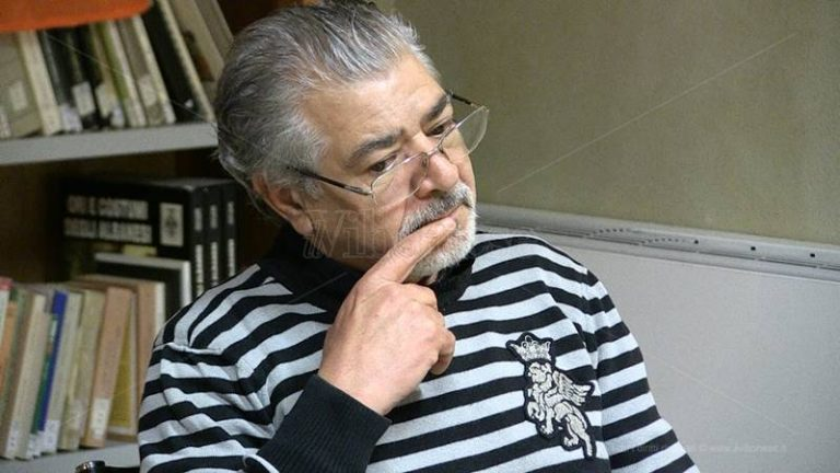 Rocco Mangiardi a Vibo, fede e poesia nel libro del testimone di giustizia (VIDEO)