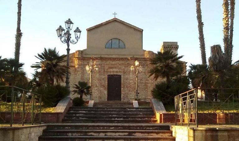 """A Mileto i ministranti della basilica-cattedrale """"adottano"""" una piazza"""